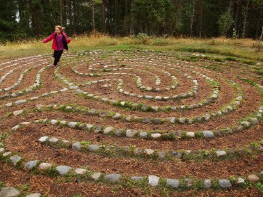 child on labyrinth